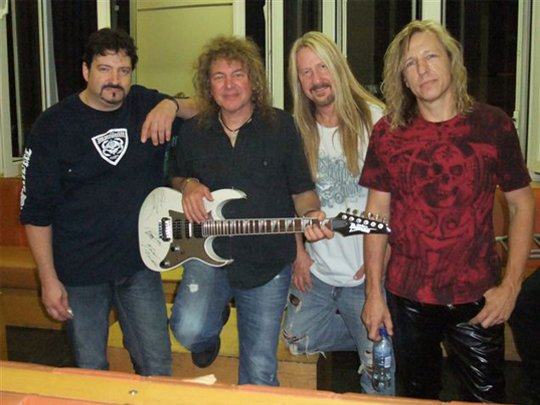 Y&T with the fully autographed Ibanez guitar